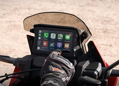 6,5 inç Dokunmatik TFT Ekran ve Apple CarPlay™ Desteği