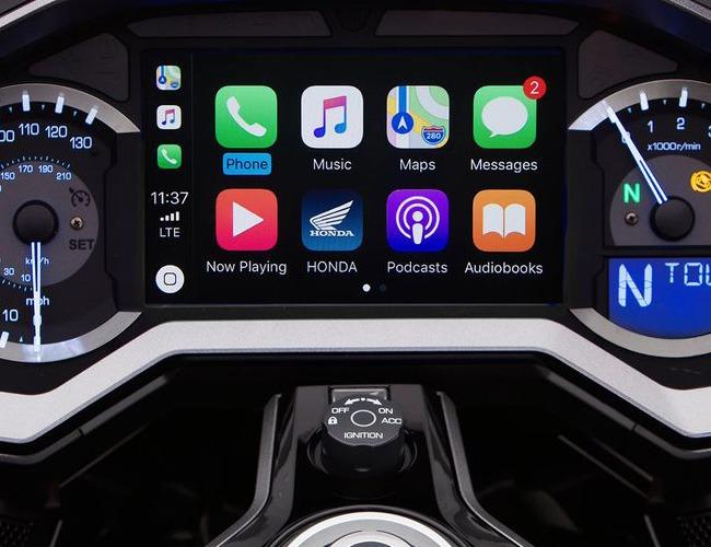 Tüm İşlemleriniz İçin Apple CarPlay™ ve Android Auto™